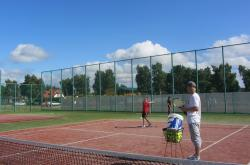 obozy z nauką tenisa